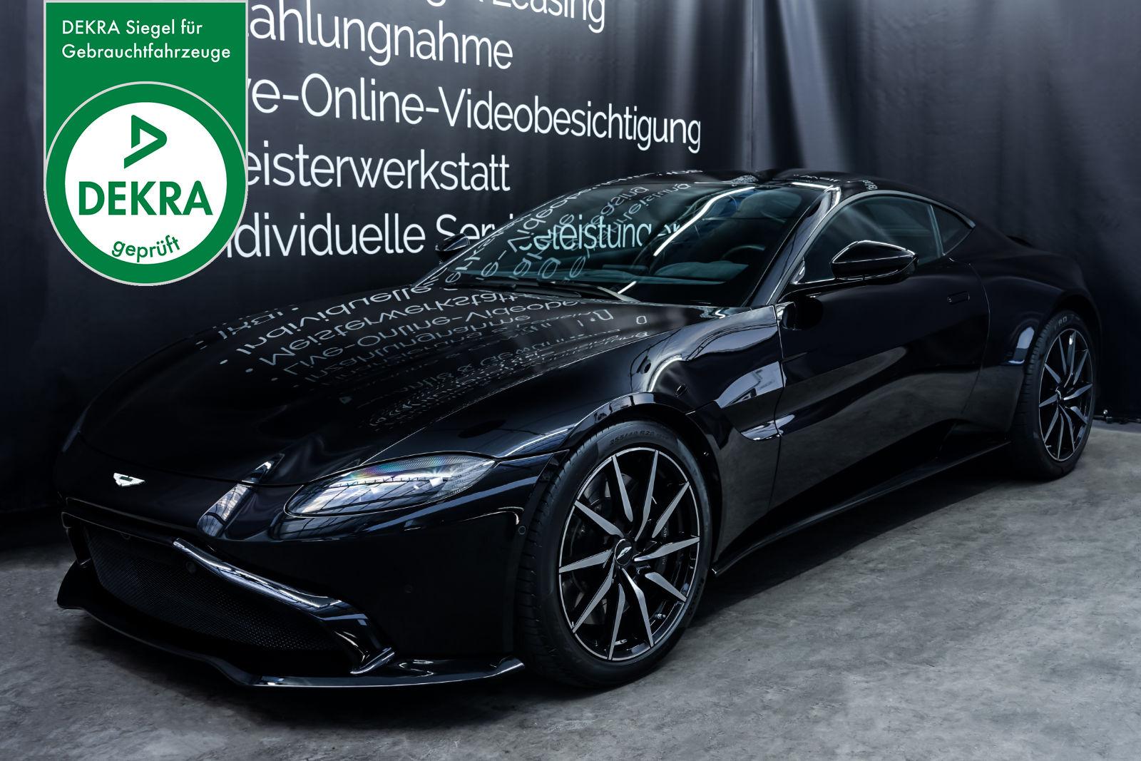 AstonMartin_V8_Vantage_Schwarz_Schwarz_AM-1849_Plakette_w