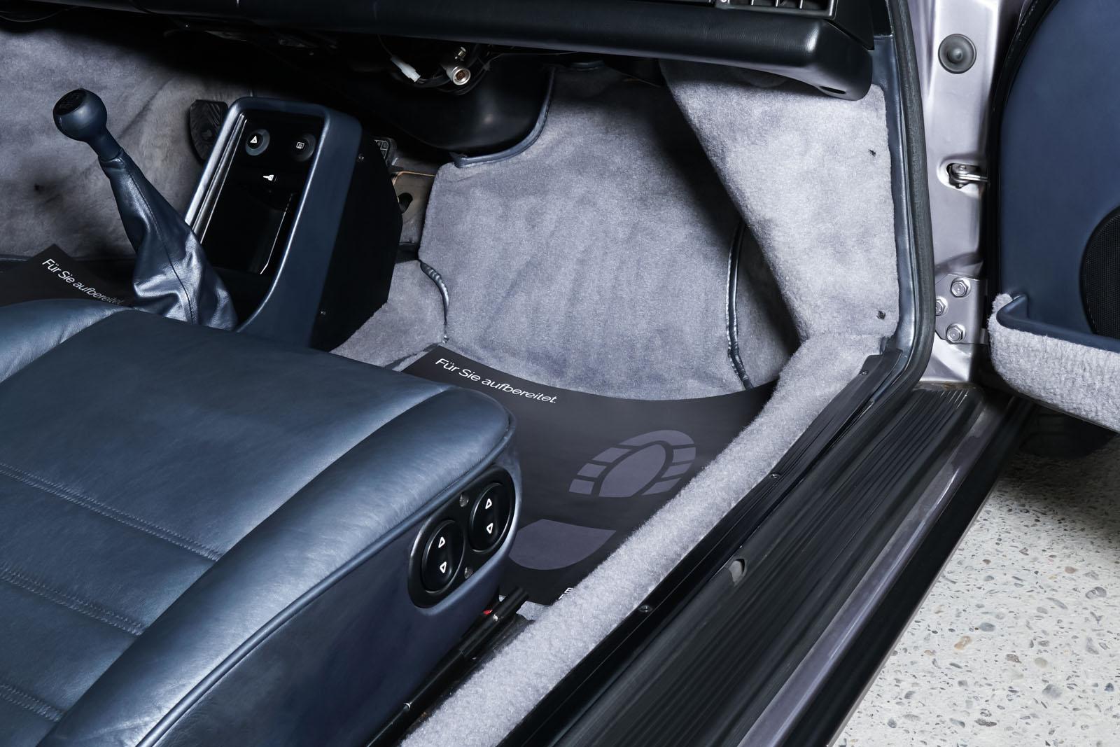 Porsche_911_Targa_Diamantblaumetallic_Blau_POR-0092_16_w