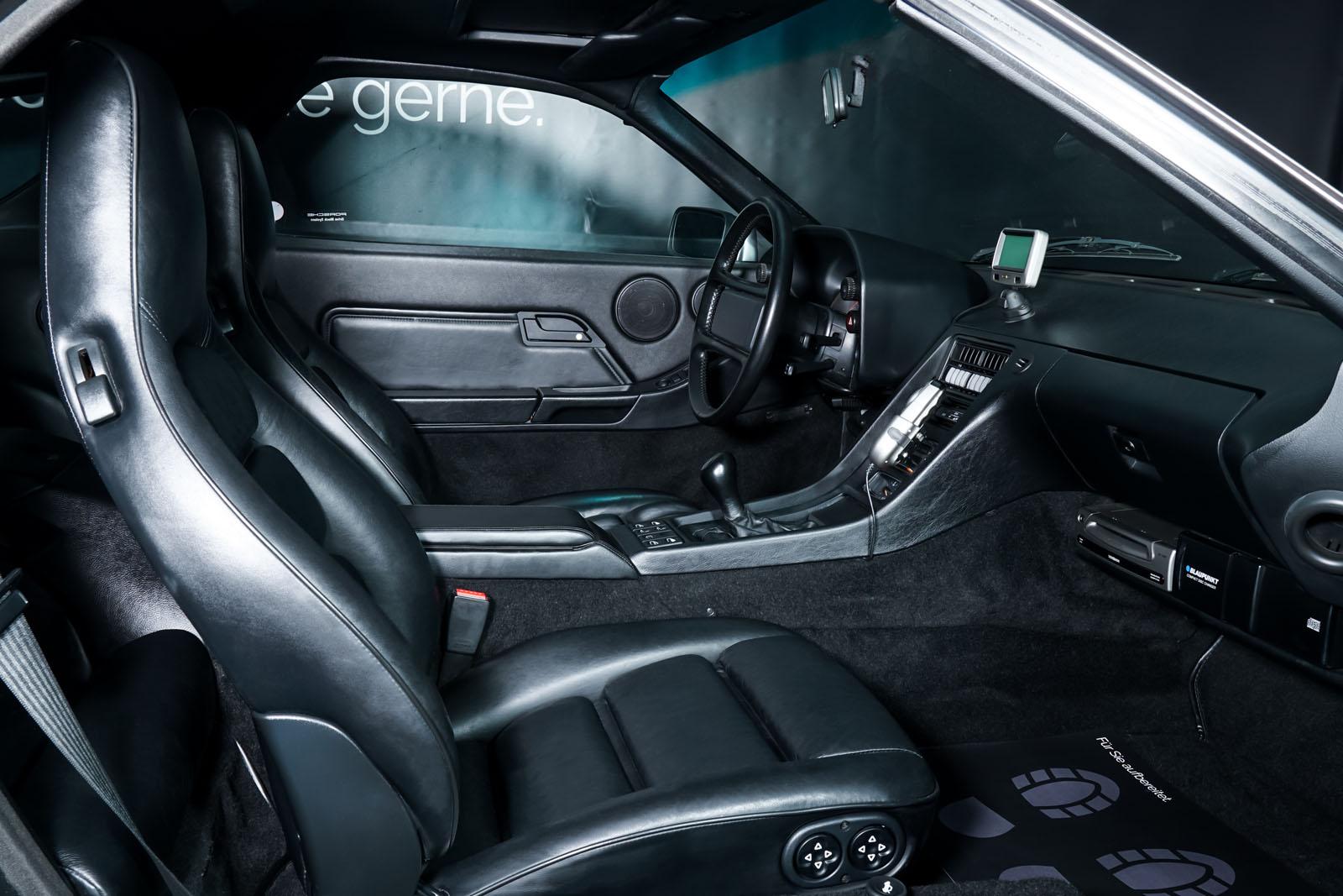 Porsche_928_Grey_Black_POR-0325_17_w
