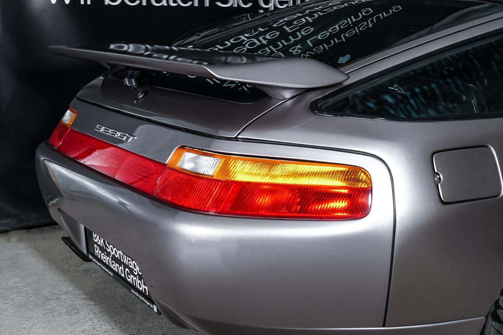 Porsche_928_Grey_Black_POR-0325_18_w