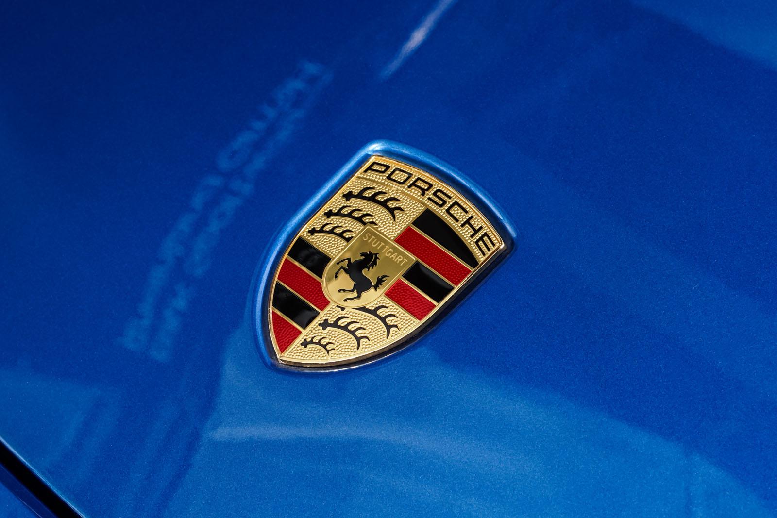 Porsche_Cayman_Blau_Schwarz_POR-0613_11_w