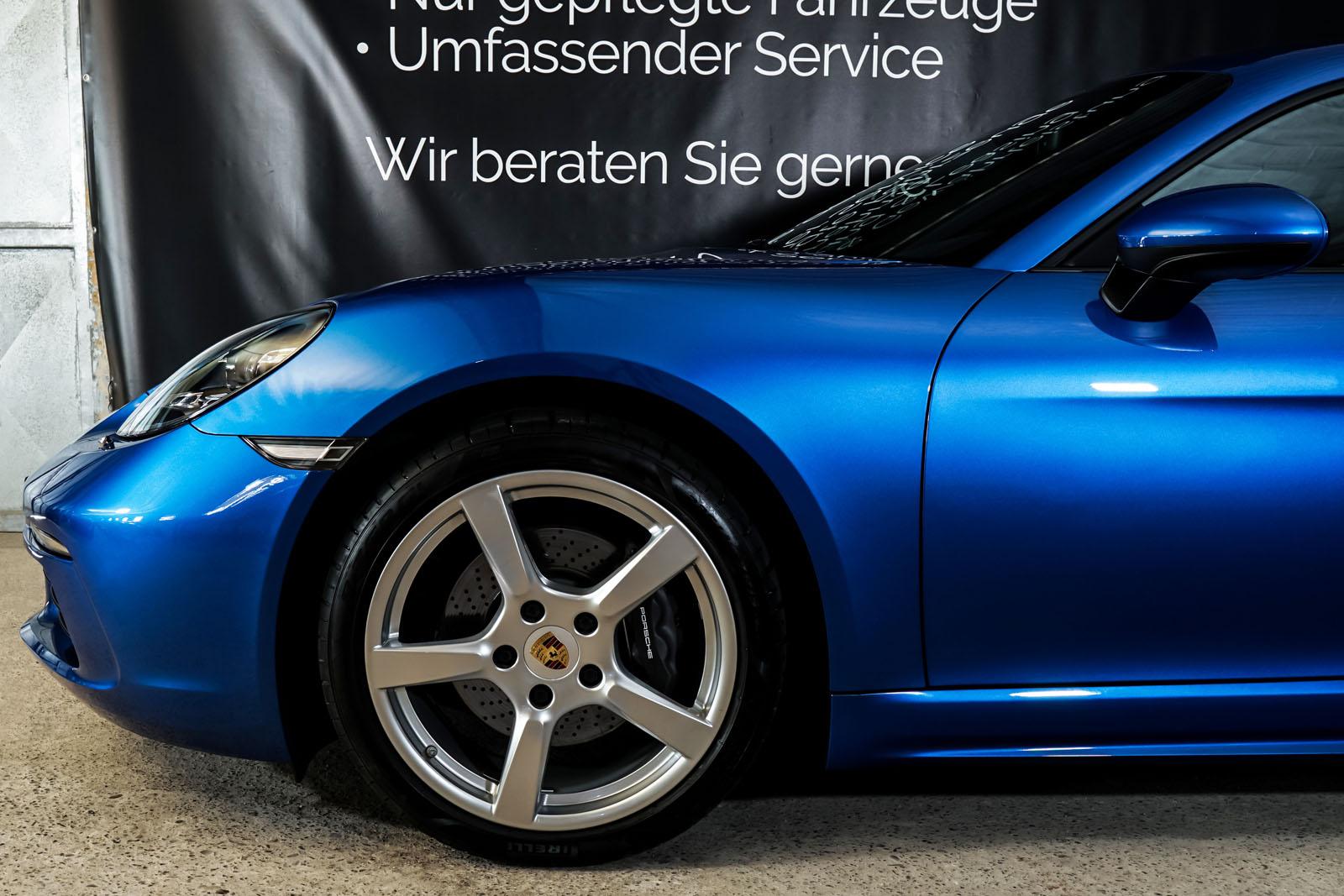 Porsche_Cayman_Blau_Schwarz_POR-0613_3_w
