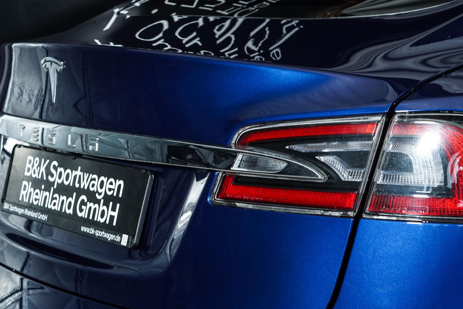 Tesla_ModelS_75RWD_Blau_Schwarz_TES-5563_12_w