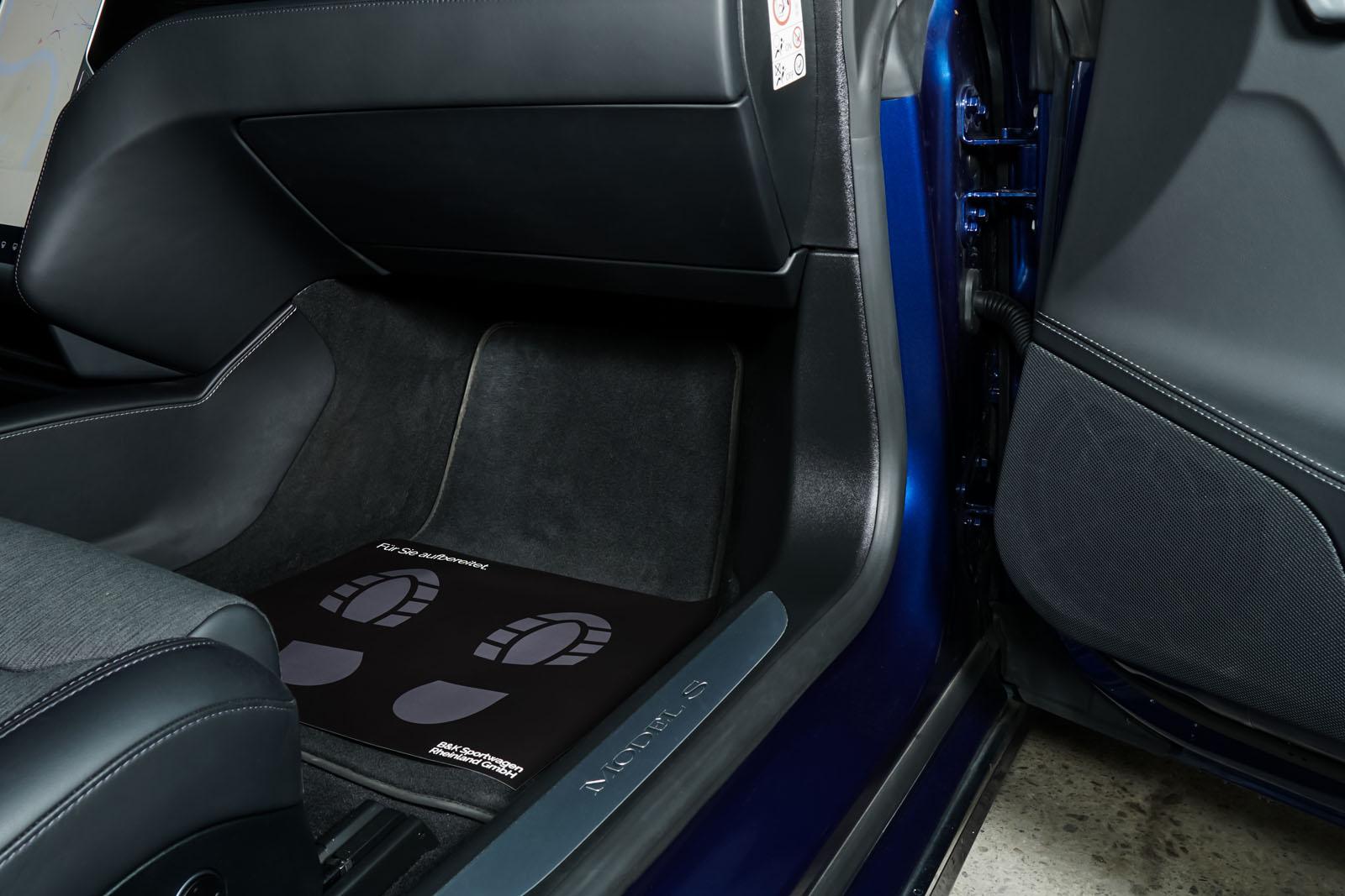 Tesla_ModelS_75RWD_Blau_Schwarz_TES-5563_15_w