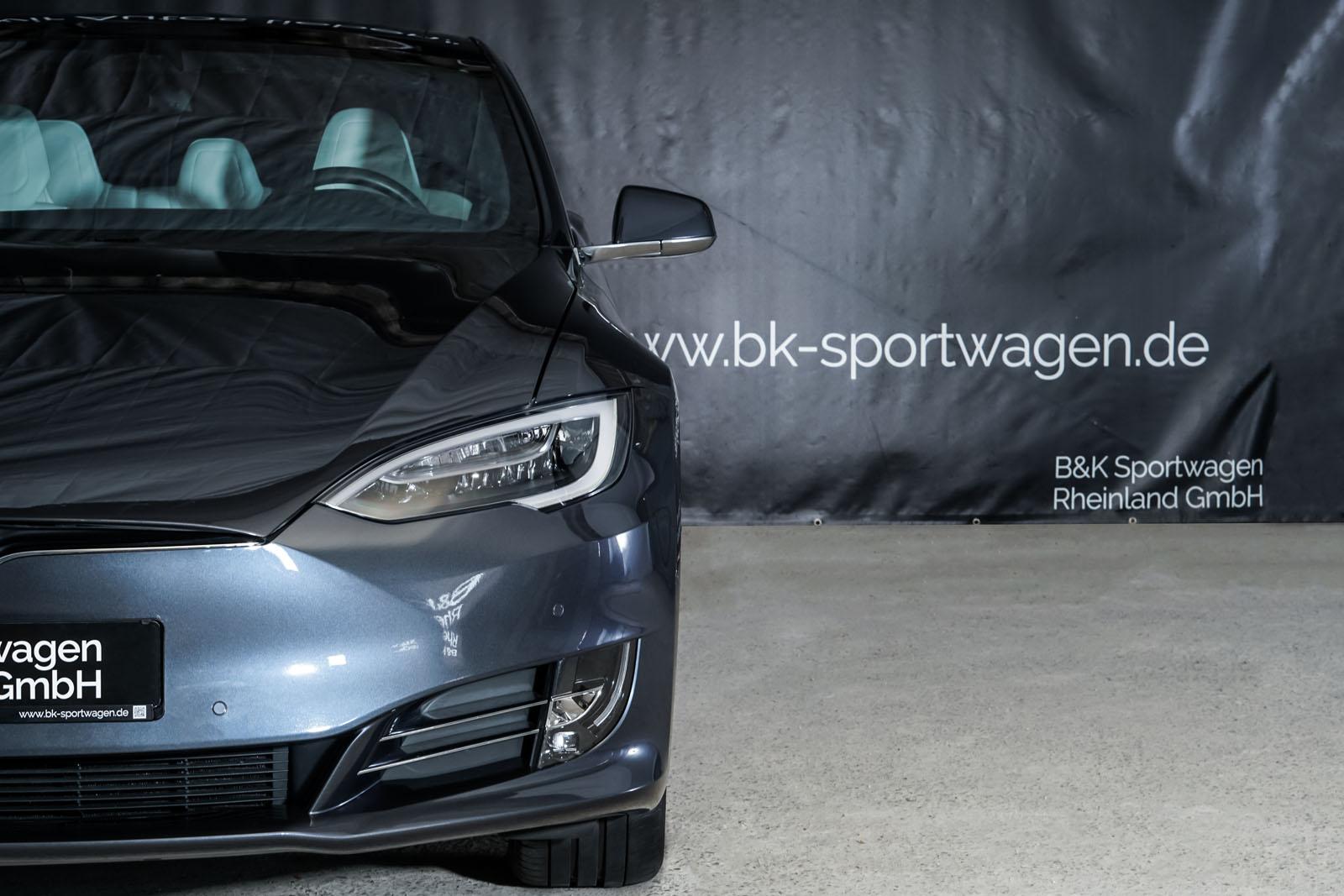 Tesla_Model_S_SilverShadow_Weiss_TES-2943_13_w