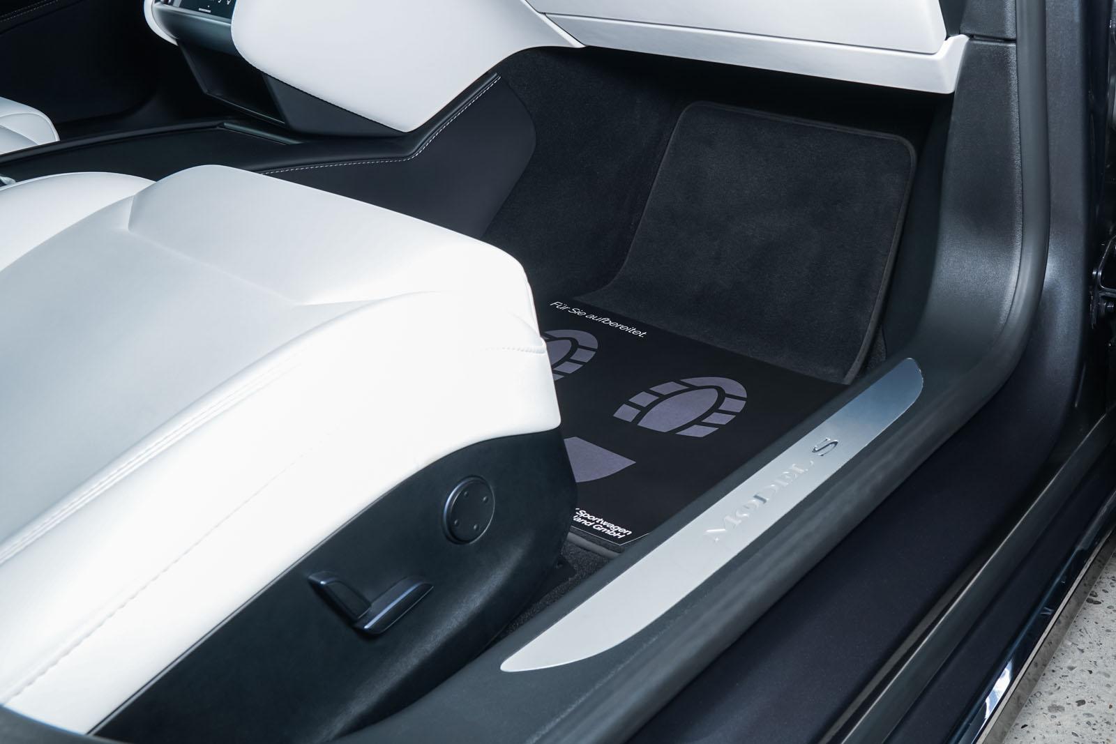 Tesla_Model_S_SilverShadow_Weiss_TES-2943_19_w