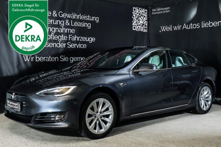 Tesla_Model_S_SilverShadow_Weiss_TES-2943_Plakette_w.jpg