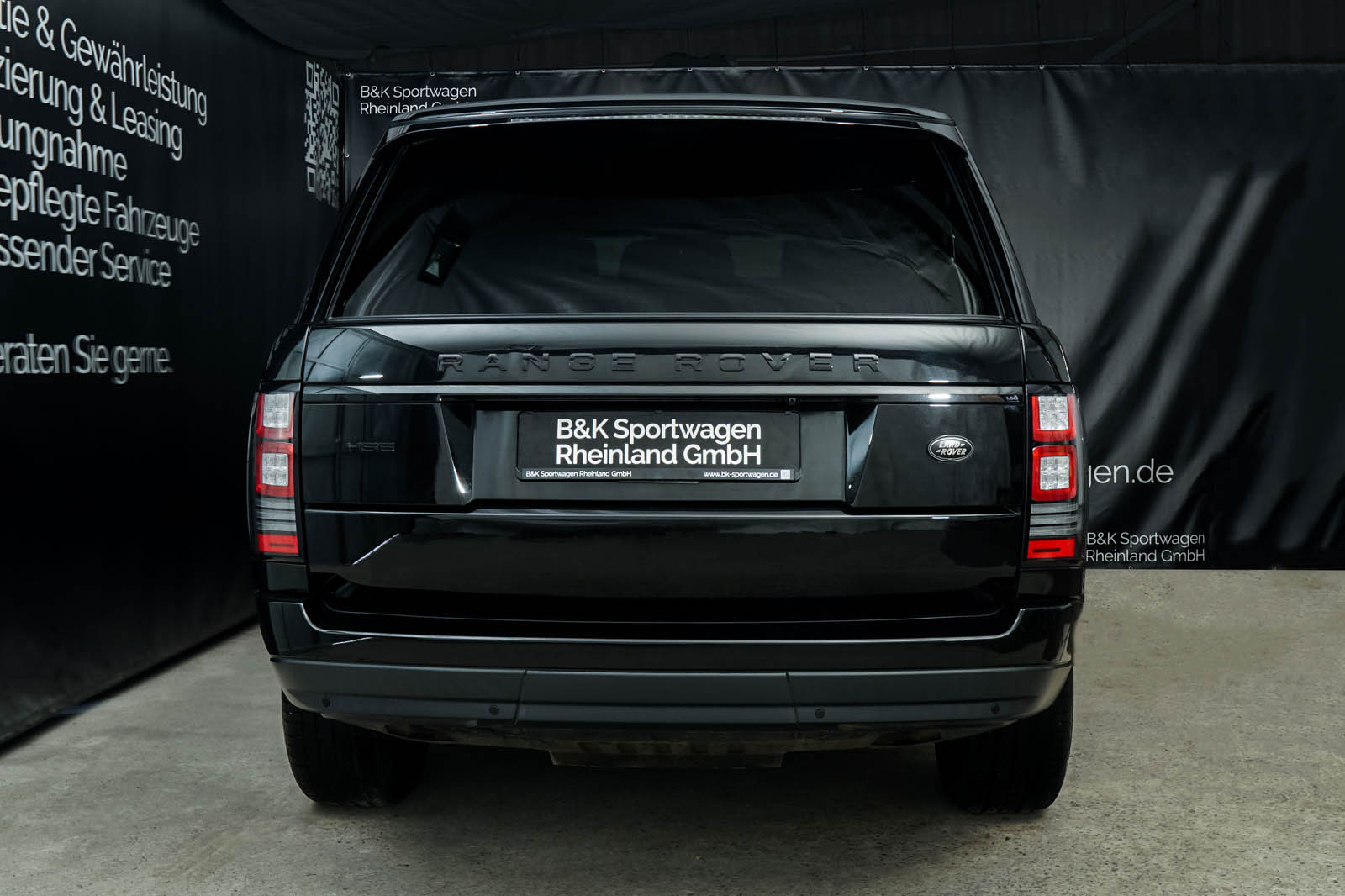 land_rover_range_hse_vogue_black_LAN-7341