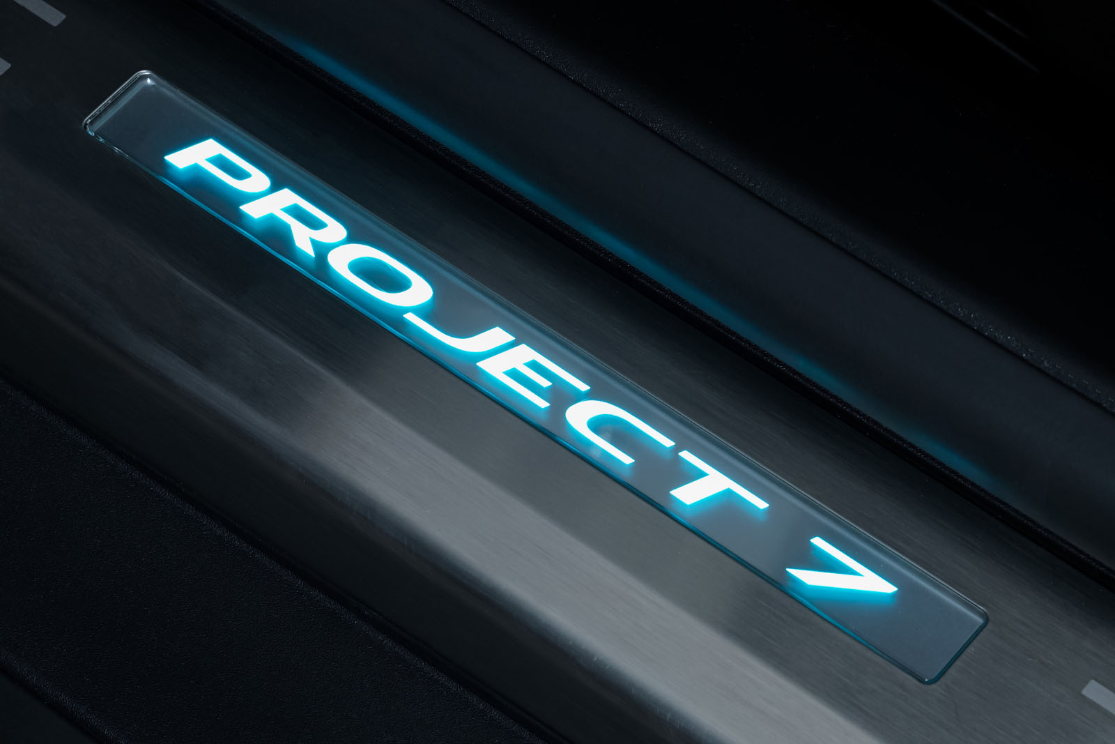 Jaguar_Project7_Weiss_Schwarz_JAG-0829_11_w