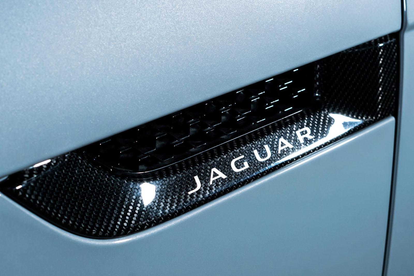 Jaguar_Project7_Weiss_Schwarz_JAG-0829_14_w
