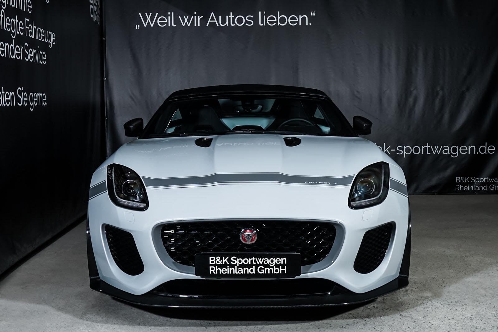 Jaguar_Project7_Weiss_Schwarz_JAG-0829_1_w