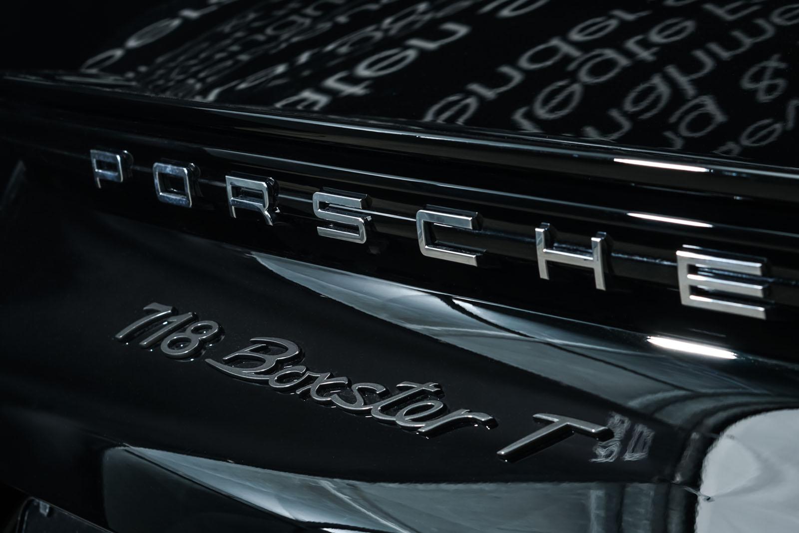 Porsche_718_BoxsterT_Schwarz_Schwarz_POR-1718_19_w