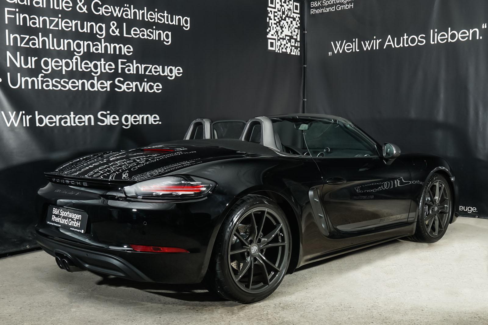 Porsche_718_BoxsterT_Schwarz_Schwarz_POR-1718_21_w
