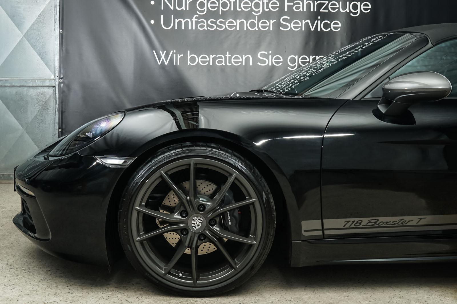 Porsche_718_BoxsterT_Schwarz_Schwarz_POR-1718_3_w