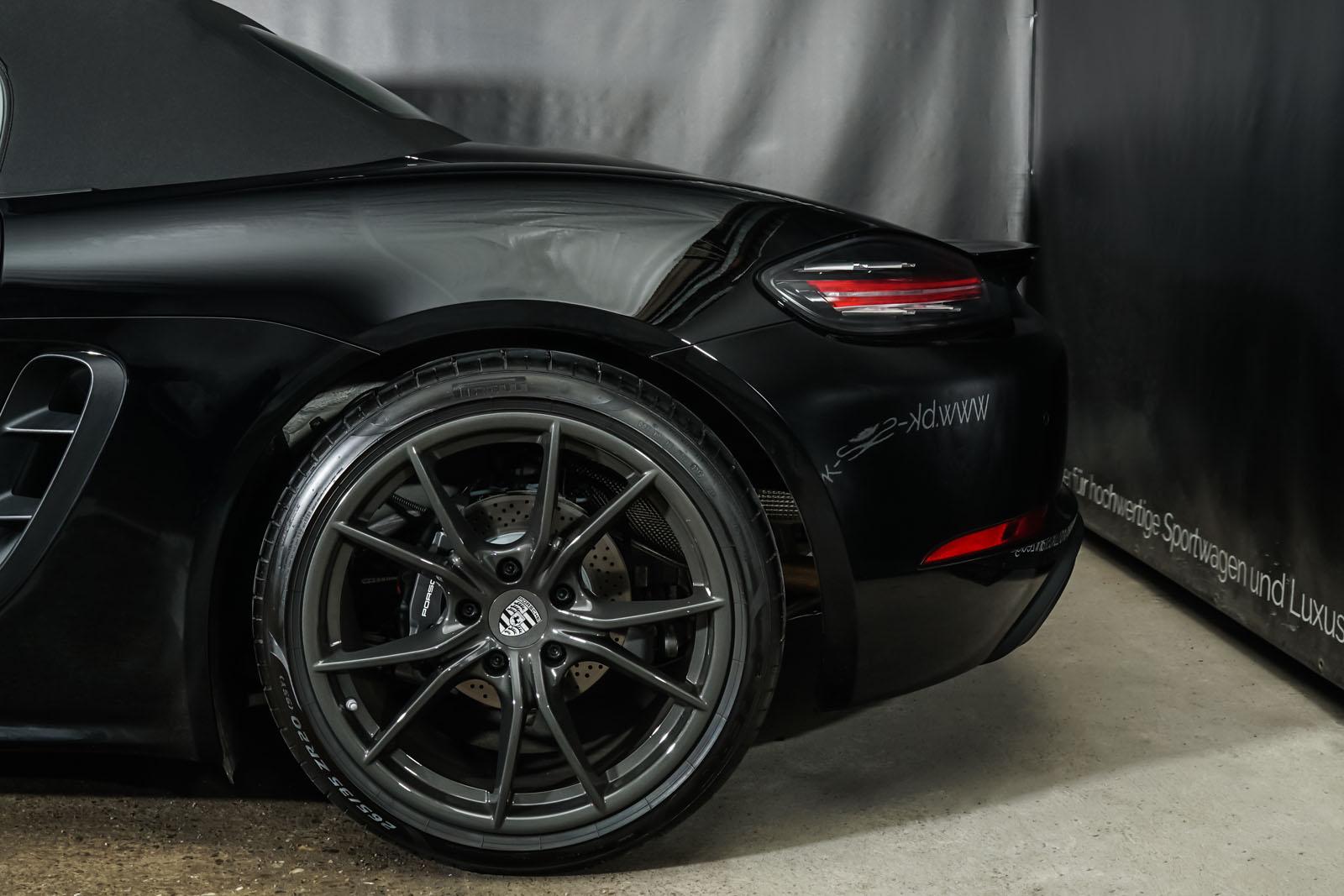 Porsche_718_BoxsterT_Schwarz_Schwarz_POR-1718_4_w