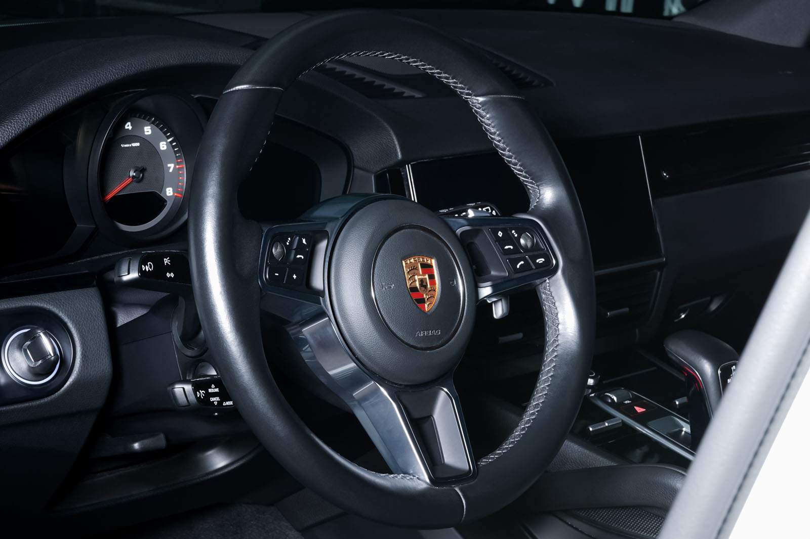 Porsche_Cayenne_Weiß_Schwarz_POR-0208_10_w