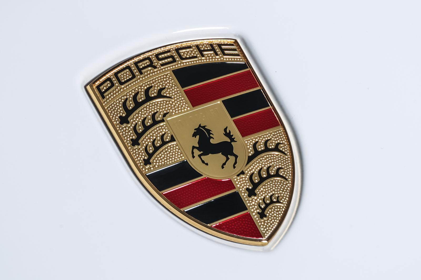 Porsche_Cayenne_Weiß_Schwarz_POR-0208_12_w