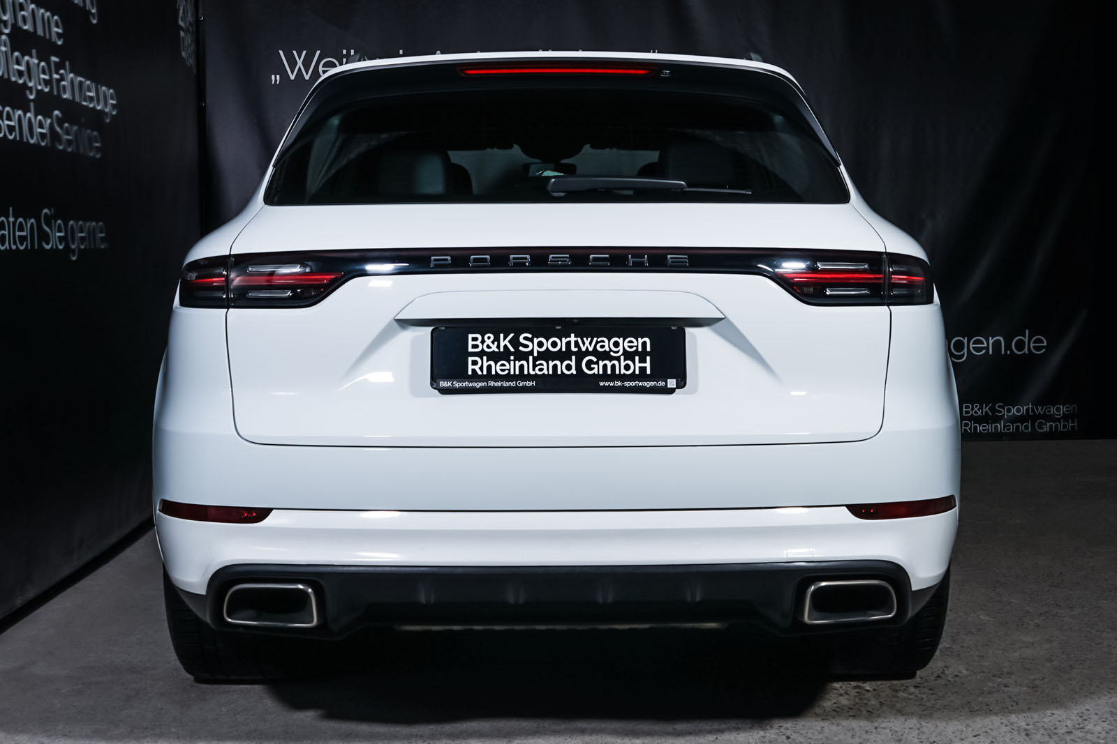Porsche_Cayenne_Weiß_Schwarz_POR-0208_13_w