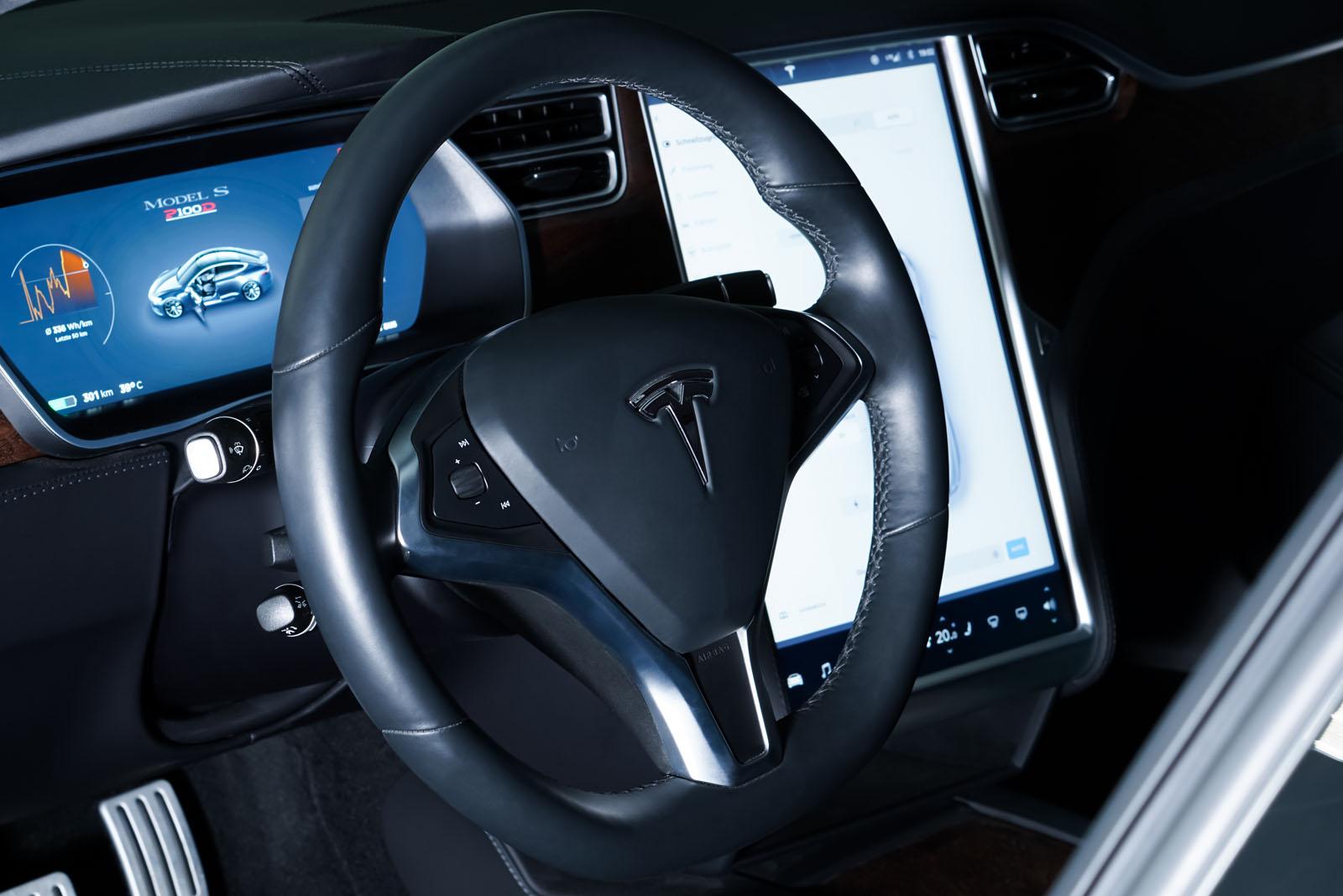 Tesla_ModelS_P100D_MidnightSilver_Black_TES-6539_10_w