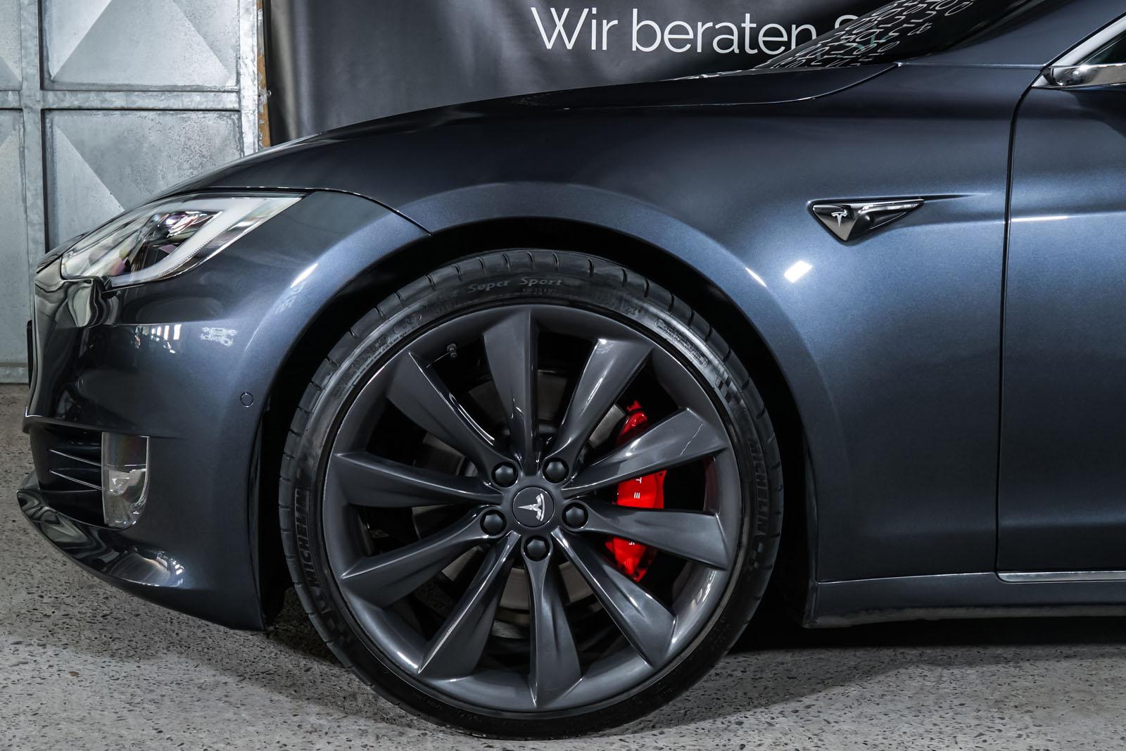 Tesla_ModelS_P100D_MidnightSilver_Black_TES-6539_3_w