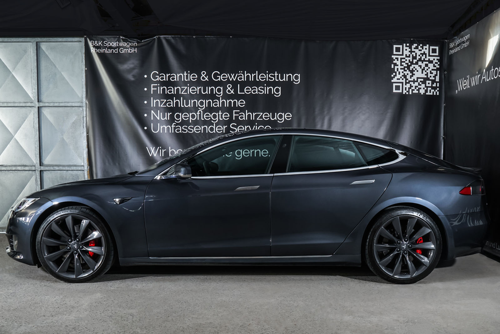 Tesla_ModelS_P100D_MidnightSilver_Black_TES-6539_5_w