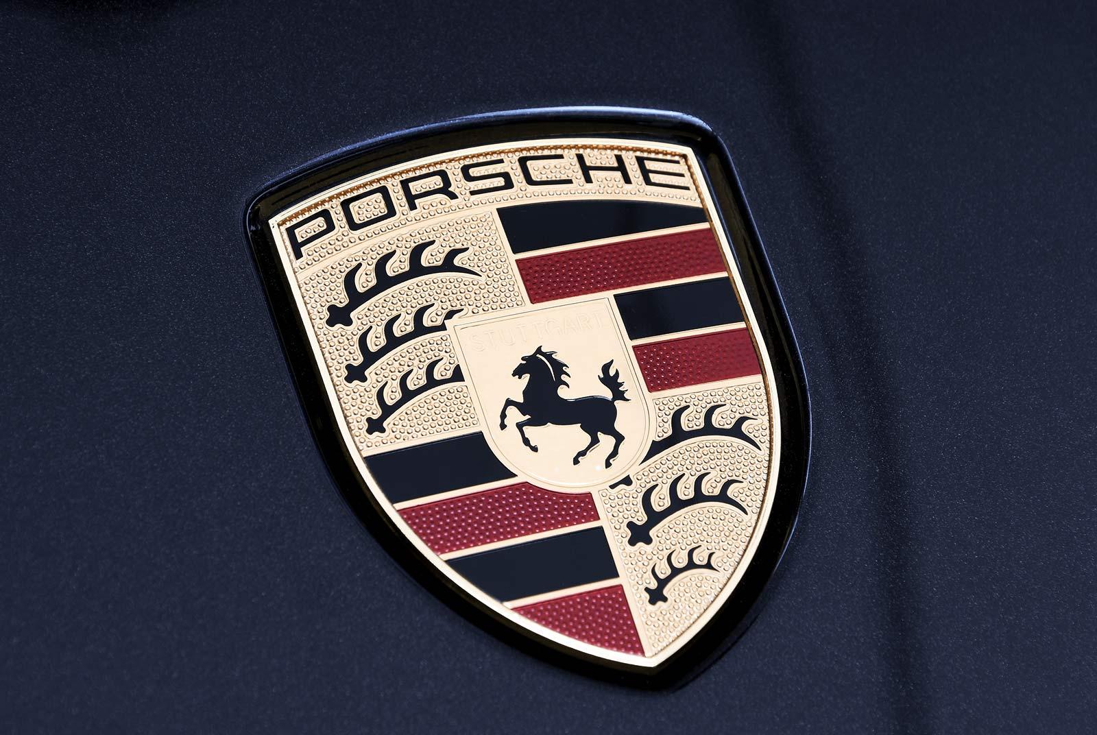 porsche_911_turbo_s_schwarz_schwarz_POR-2993_23