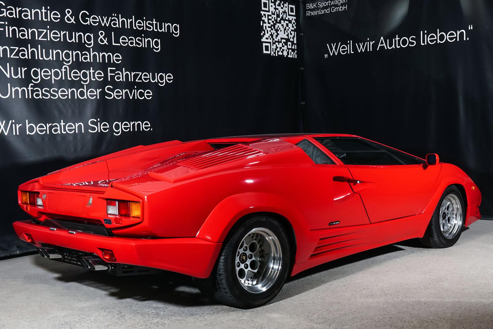 Lamborghini_Countach_Rot_Schwarz_LAM-2811_17_w