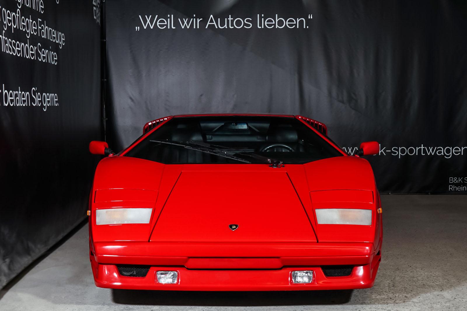 Lamborghini_Countach_Rot_Schwarz_LAM-2811_1_w