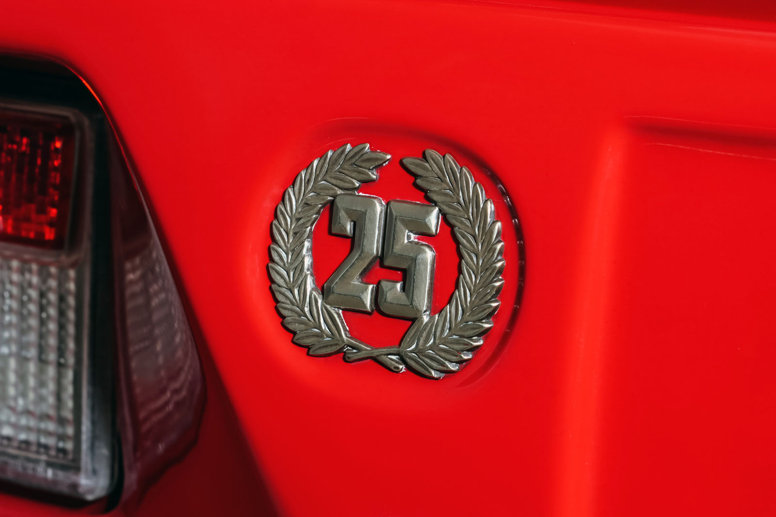 Lamborghini_Countach_Rot_Schwarz_LAM-2811_21_w