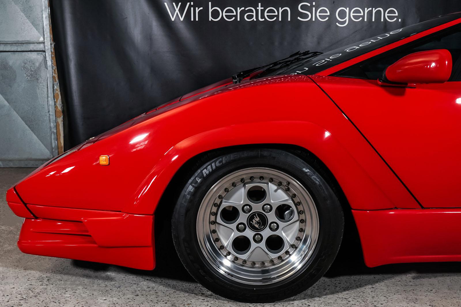 Lamborghini_Countach_Rot_Schwarz_LAM-2811_5_w