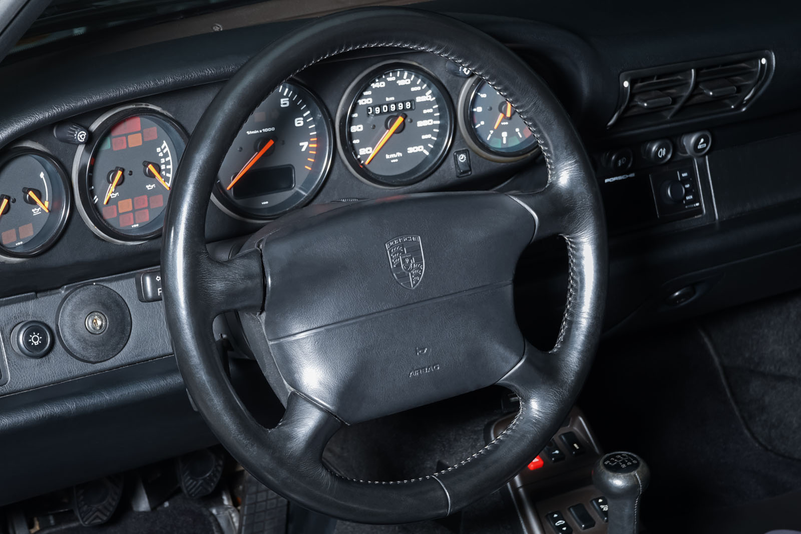 Porsche_993_Carrera_Cabrio_Grau_Schwarz_POR-2375_10_w