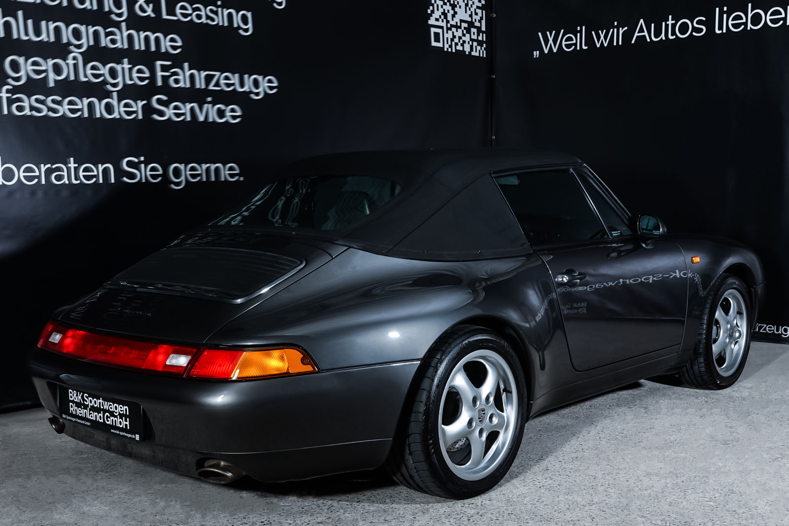 Porsche_993_Carrera_Cabrio_Grau_Schwarz_POR-2375_20_w