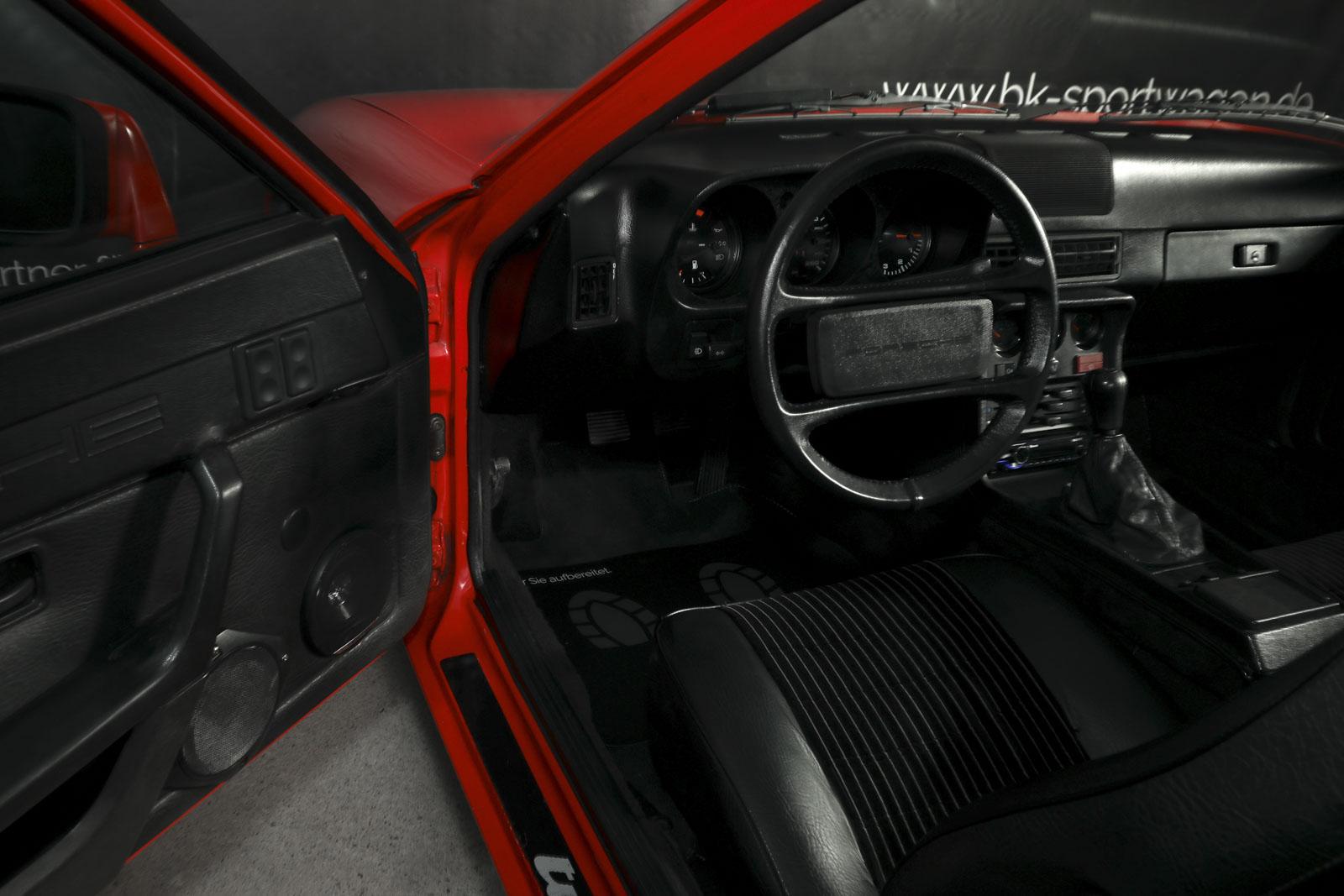 porsche_924_turbo_red_black_por-1346_09
