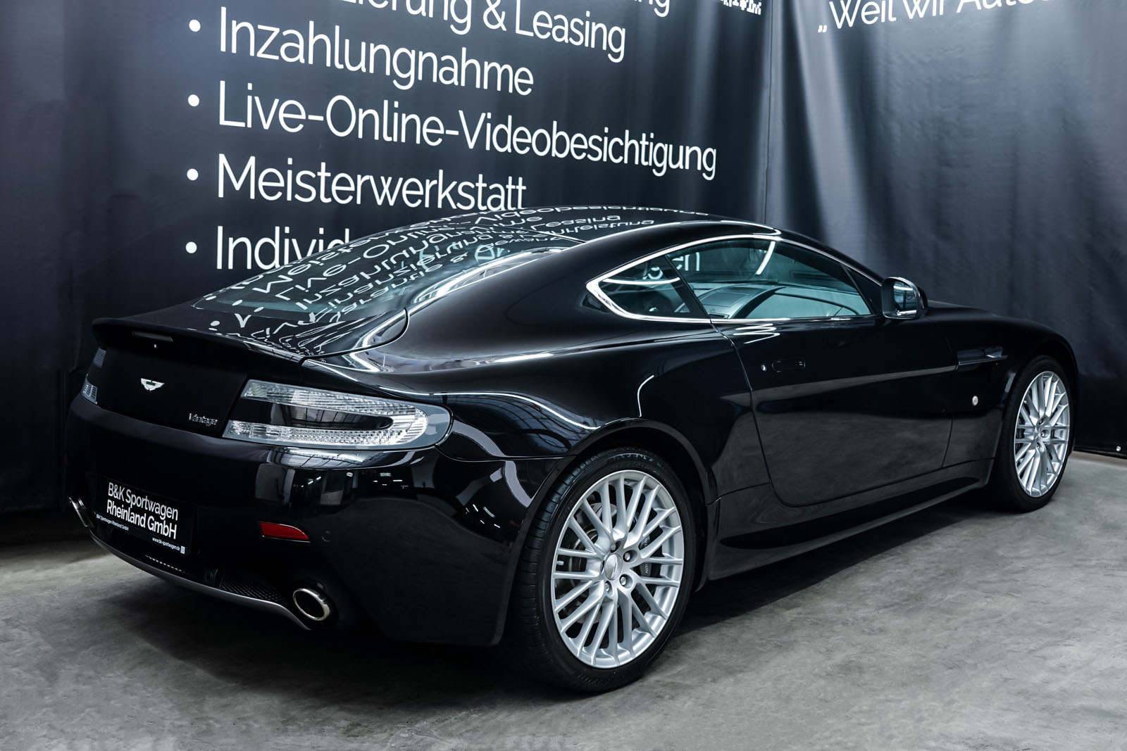 AstonMartin_V8_Vantage_Schwarz_Schwarz_AM-5679_13_w