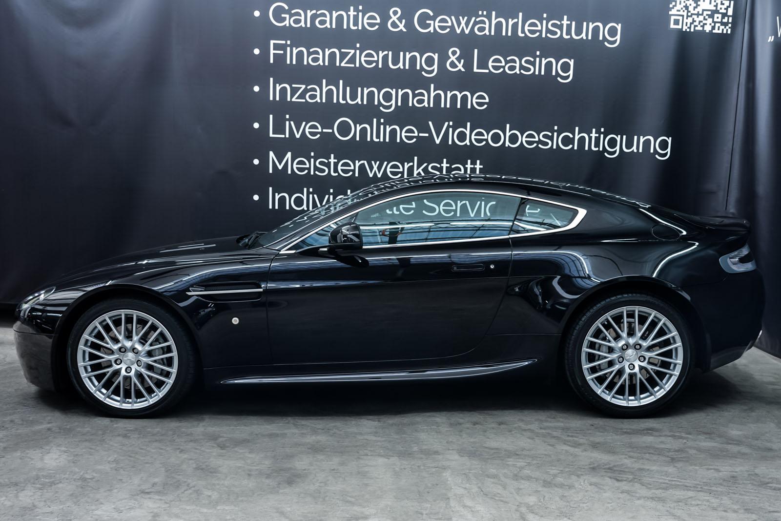AstonMartin_V8_Vantage_Schwarz_Schwarz_AM-5679_5_w