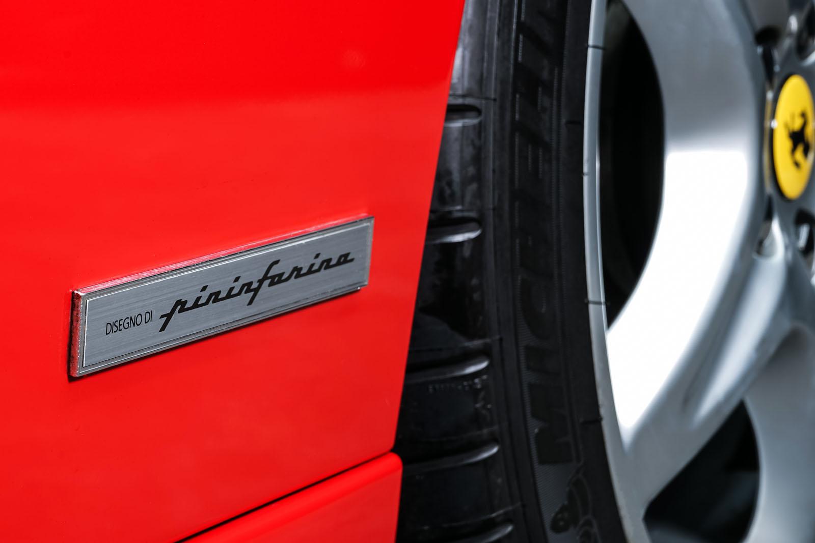 Ferrari_F355_Berlinetta_Rot_Schwarz_FER-7159_11_w