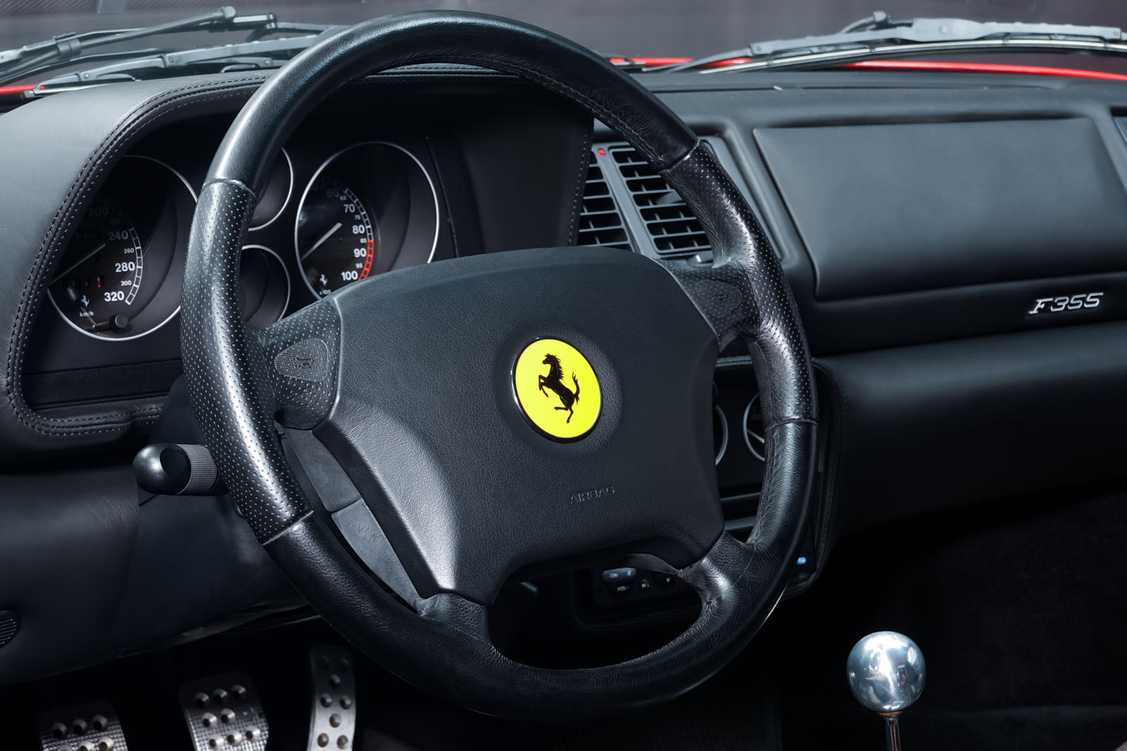 Ferrari_F355_Berlinetta_Rot_Schwarz_FER-7159_8_w