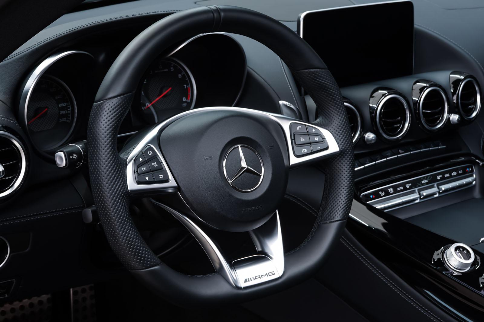 11Mercedes_Benz_AMG_GT_Roadster_Weiss_Schwarz_MB-9710_12_w