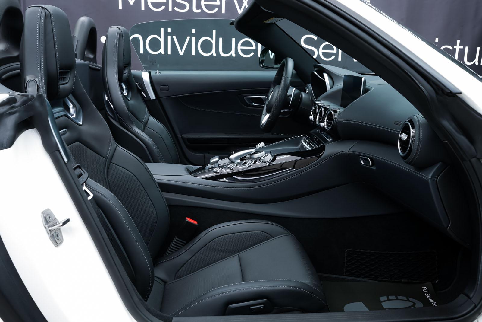 11Mercedes_Benz_AMG_GT_Roadster_Weiss_Schwarz_MB-9710_15_w