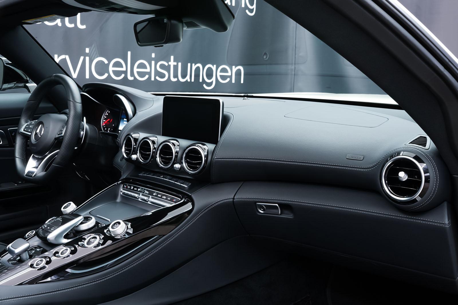 11Mercedes_Benz_AMG_GT_Roadster_Weiss_Schwarz_MB-9710_16_w
