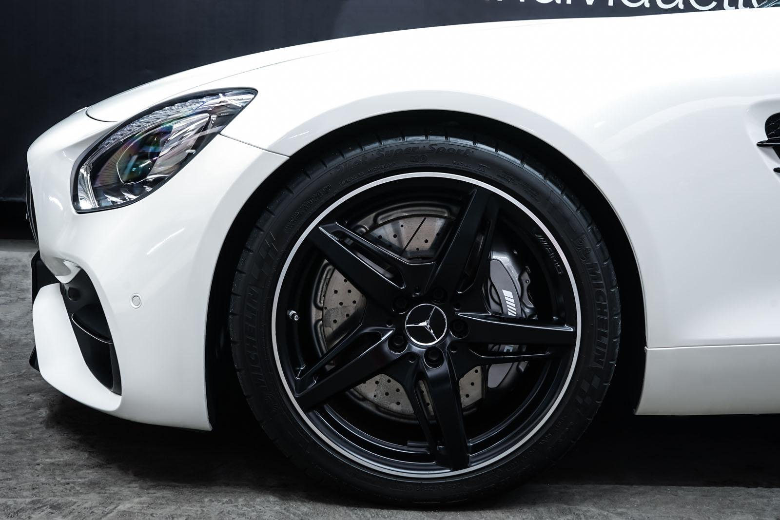 11Mercedes_Benz_AMG_GT_Roadster_Weiss_Schwarz_MB-9710_3_w