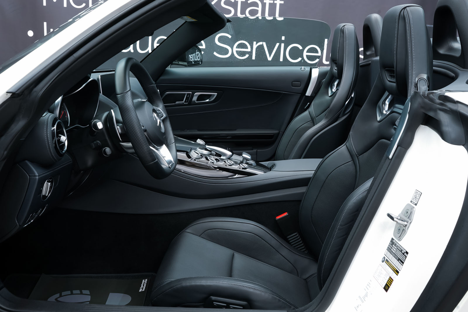 11Mercedes_Benz_AMG_GT_Roadster_Weiss_Schwarz_MB-9710_8_w