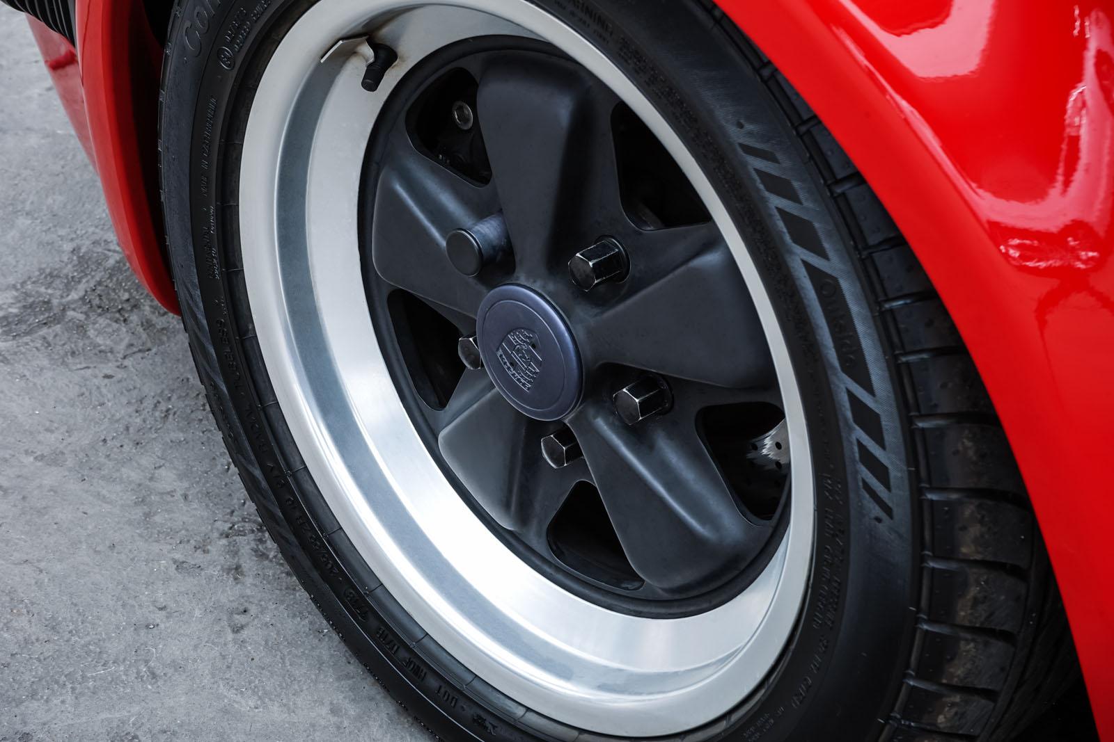 Porsche_911_Speedster_Rot_Schwarz_POR-2352_11_w