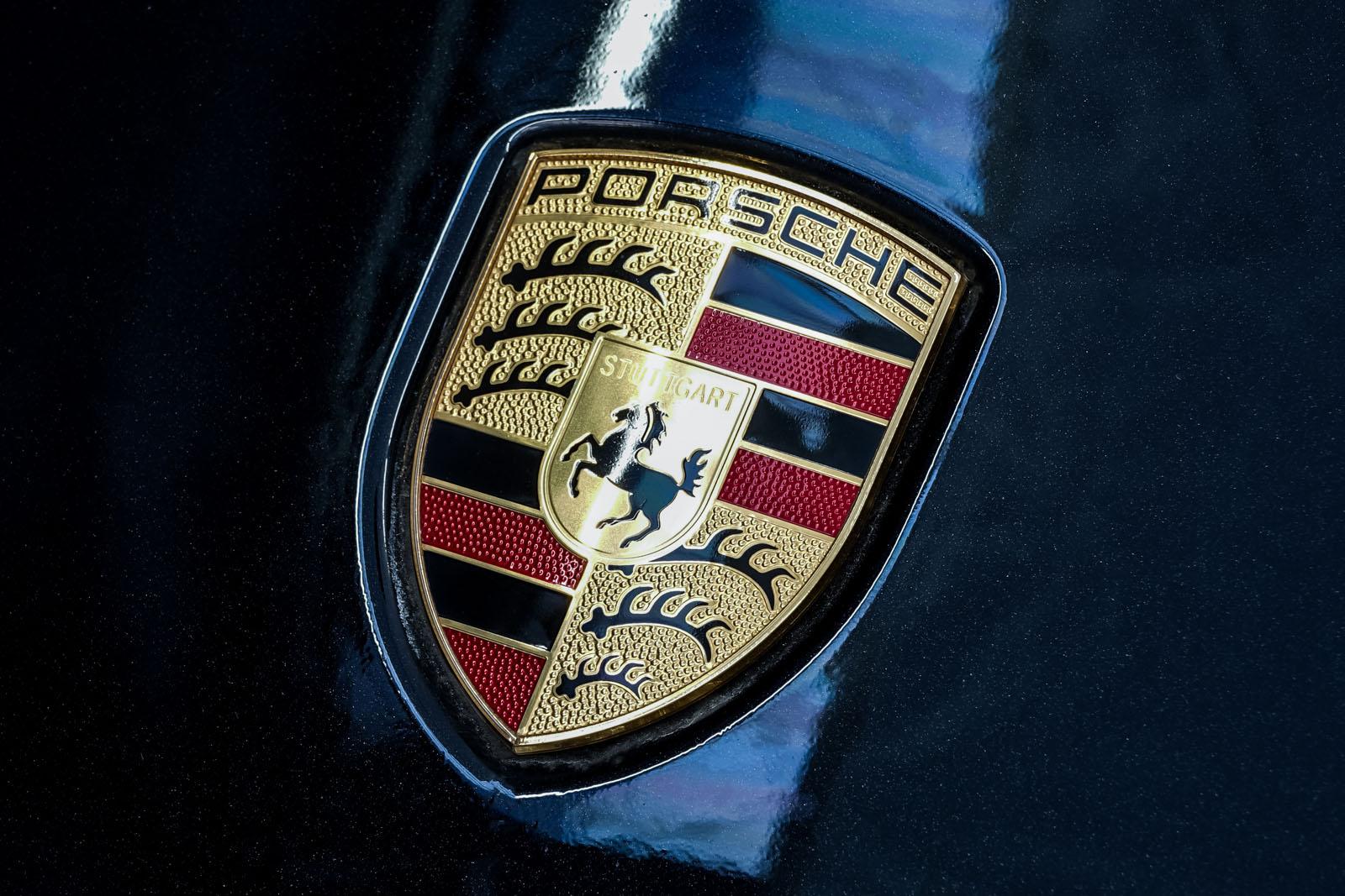 Porsche_991_TurboS_Cabrio_Schwarz_Braun_POR-9733_15_w
