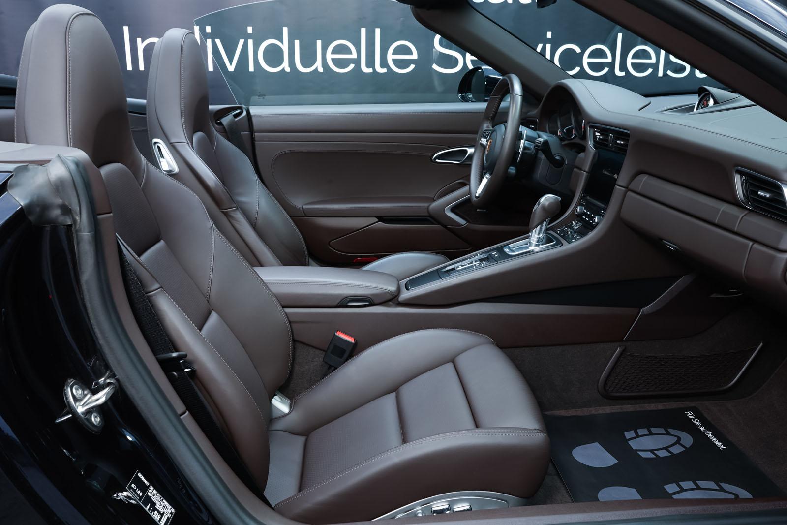 Porsche_991_TurboS_Cabrio_Schwarz_Braun_POR-9733_16_w