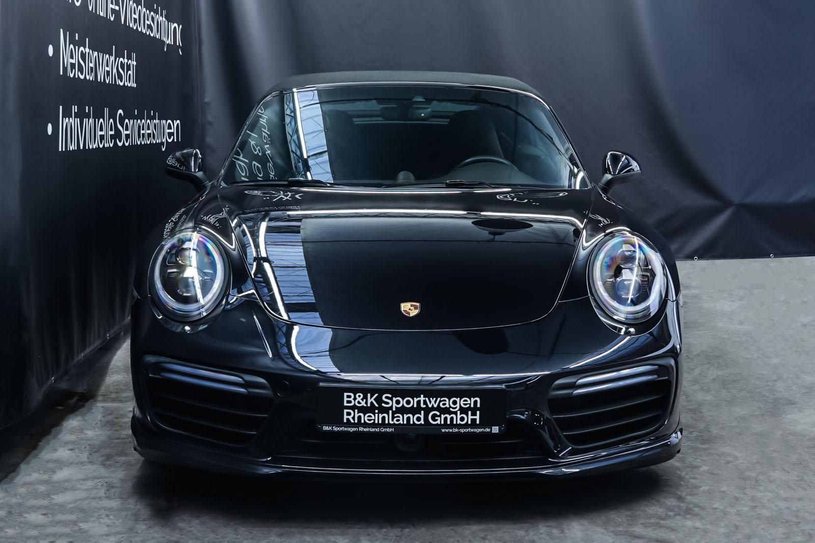 Porsche_991_TurboS_Cabrio_Schwarz_Braun_POR-9733_1_w