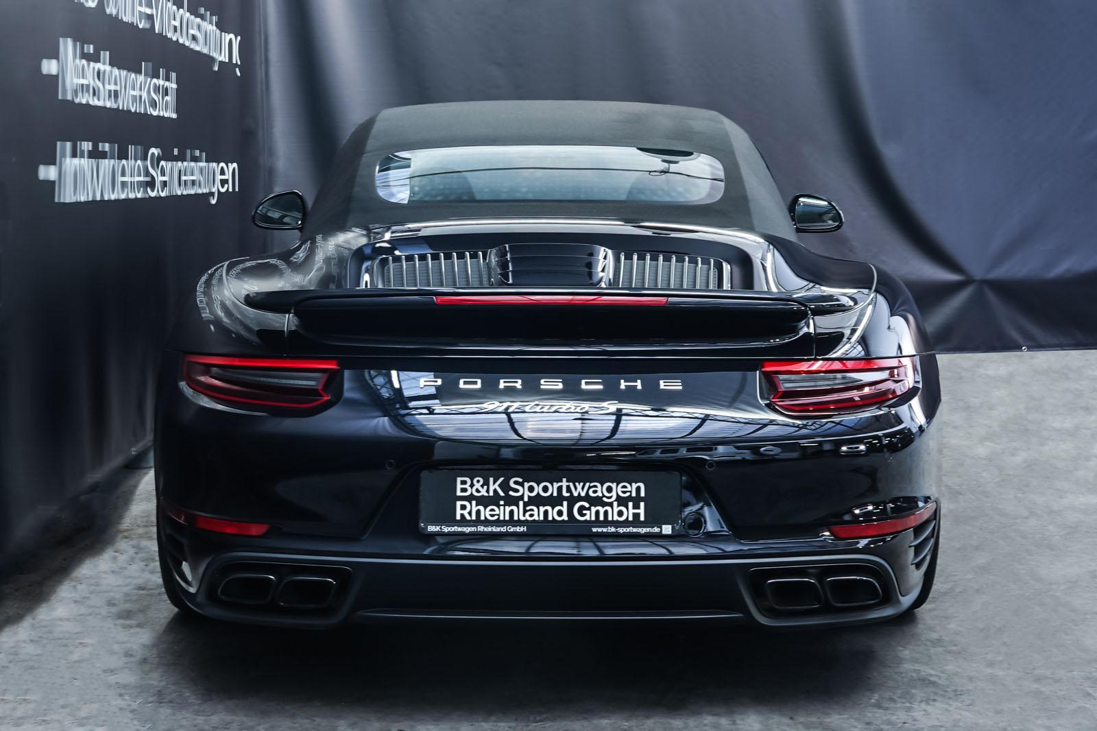 Porsche_991_TurboS_Cabrio_Schwarz_Braun_POR-9733_25_w
