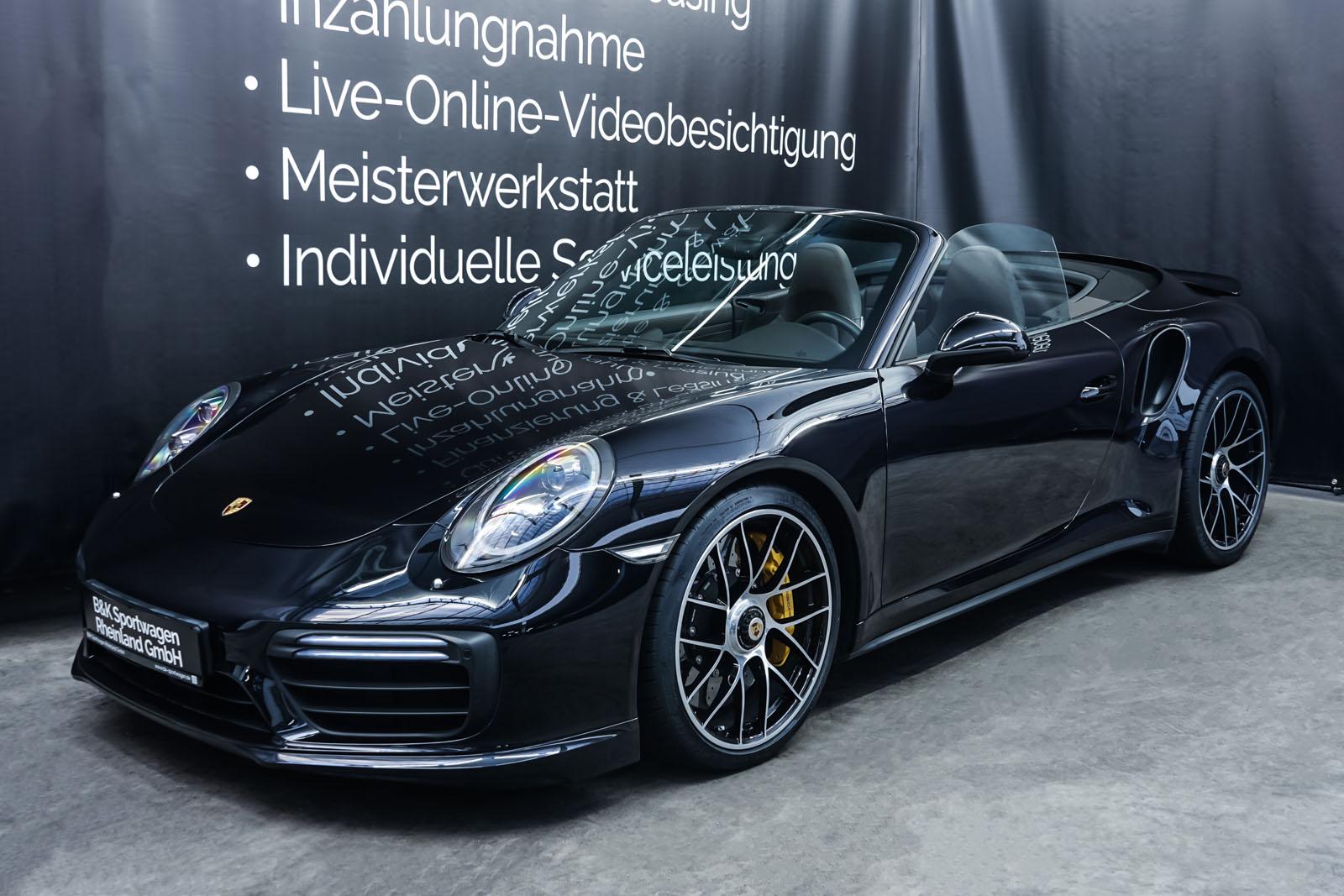Porsche_991_TurboS_Cabrio_Schwarz_Braun_POR-9733_7_w