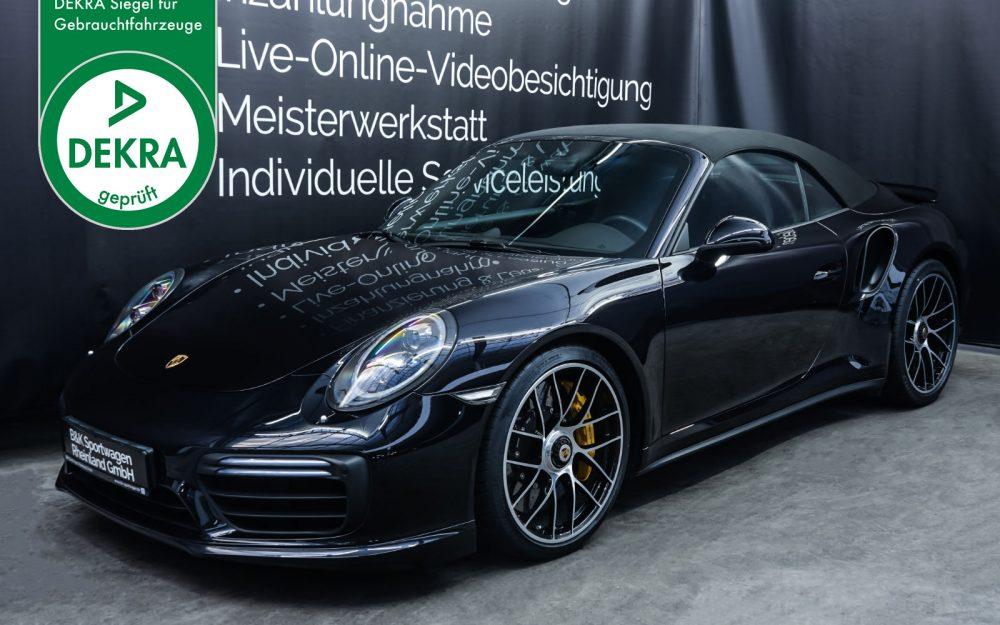 Porsche_991_TurboS_Cabrio_Schwarz_Braun_POR-9733_Plakette_w
