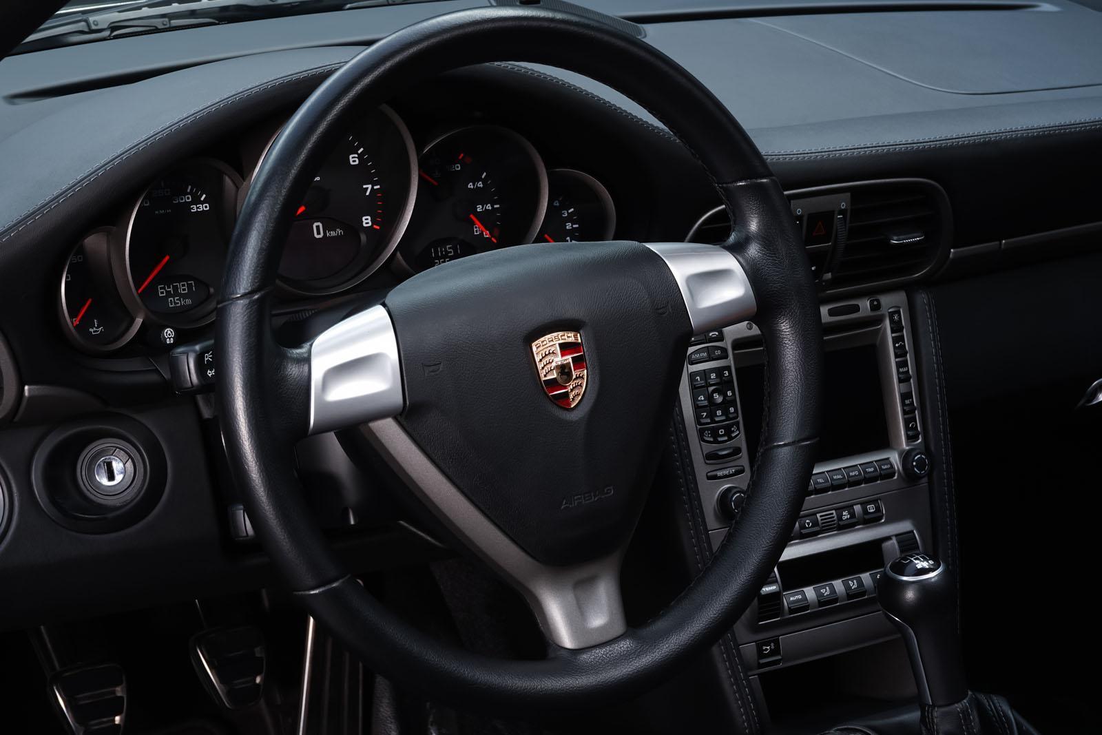 Porsche_997_C2_Schwarz_Schwarz_POR-3384_10_w